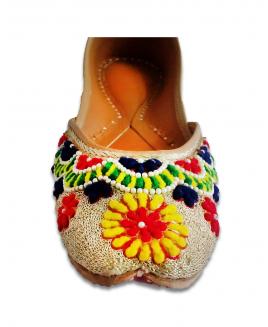 Multicolor Casual Punjabi Jutti with Woolen Handwork