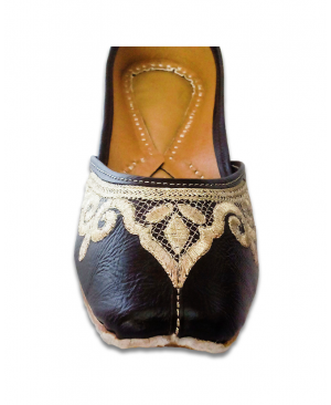 Black Golden Embroidered Casual Jutti