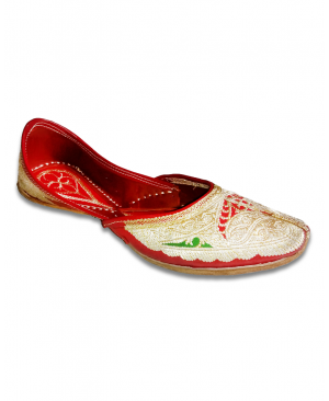 Multicolor Embroidered Hand Crafted Punjabi Jutti
