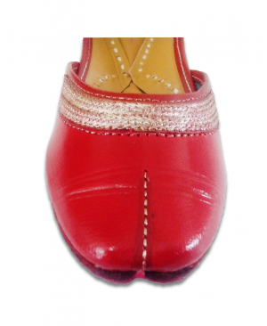 Red Golden Embroidered Handcrafted Punjabi Jutti