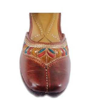 Brown Multicoloured Embroidered Casual Punjabi Jutti
