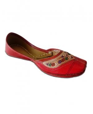 Red Multicolored Handcrafted Casual Punjabi jutti