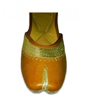 Brown Golden Embroidered Casual Punjabi Jutti