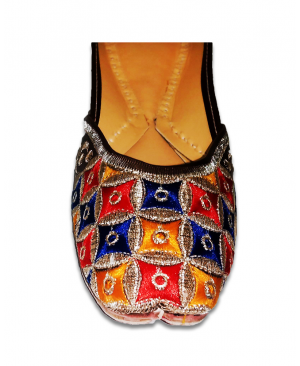Multicolor Embroidered Casual Punjabi Jutti