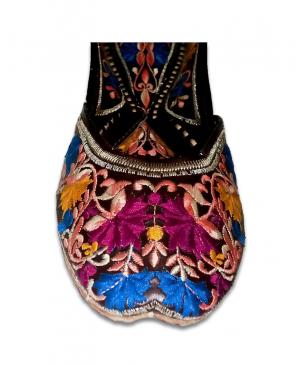 Multicolored Embroidery Black Casual Jutti