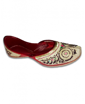 Maroon Golden Embroidered Handcrafted Punjabi Jutti with Woolen Handwork