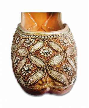 Golden Silver Casual Punjabi Jutti with Heavy Handwork