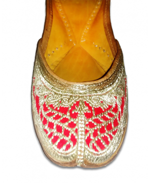 Red Silver Embroidered Handcrafted Punjabi Jutti