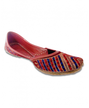 Multicolor Embroidered Maroon Casual Punjabi Jutti
