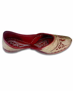 Red & Golden Bridal Embroidered Handcrafted Punjabi Jutti