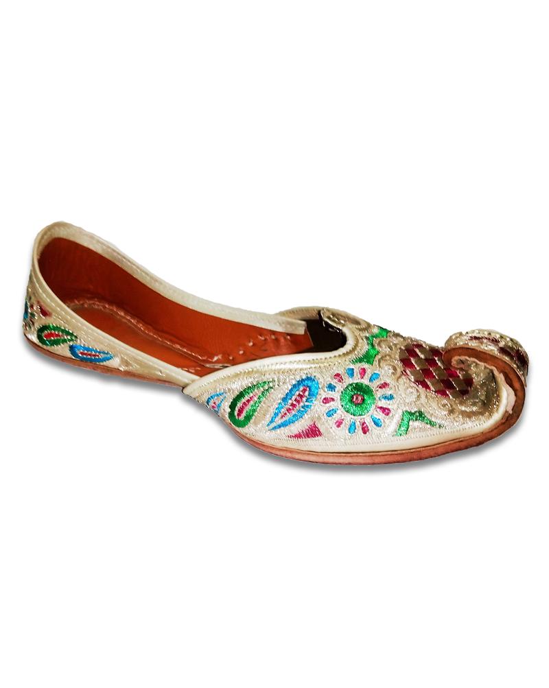 Multicolor Silver Embroided Punjabi Jutti