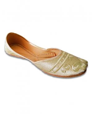 Golden Embroidered Casual Punjabi Jutti