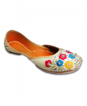 Multicolored Heavy Handworked Casual Punjabi Jutti